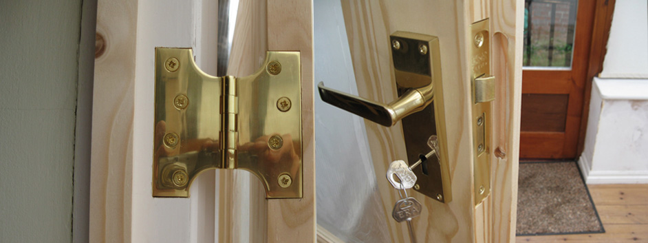 Changing Your Internal Or External Doors Carpentry