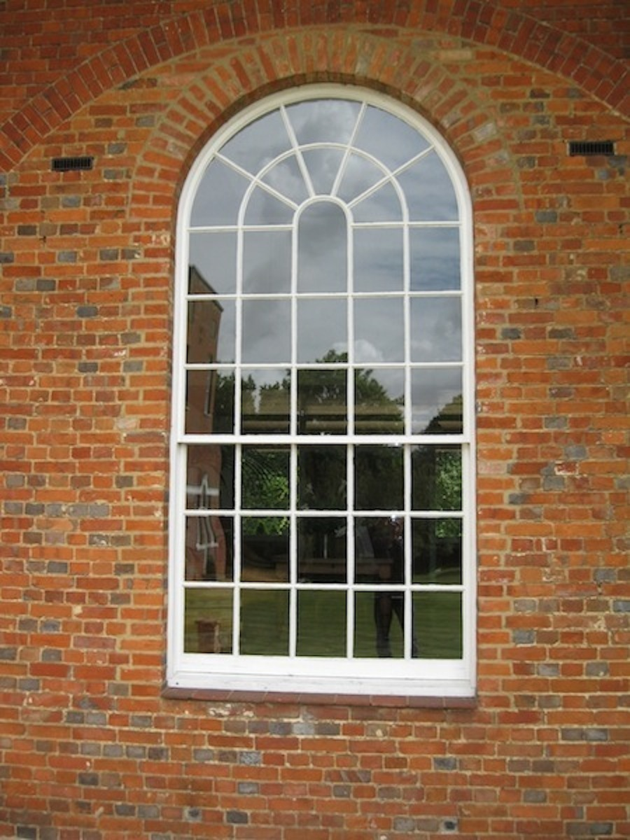 Arched window repairs carpentry services southampton for 189 window replacement