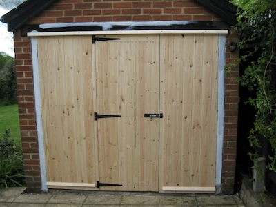 replacemnt garage doors