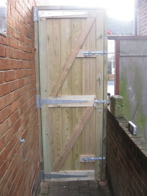 baced gate installation southampton