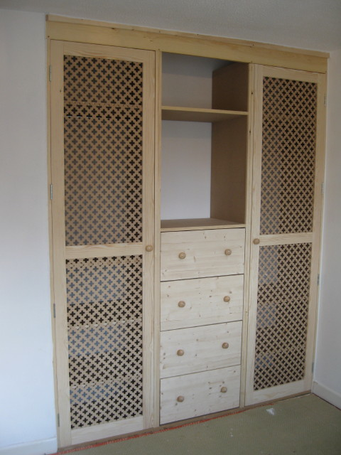 Related & Grilled door wardrobe with drawers. | Carpentry Services Southampton Pezcame.Com