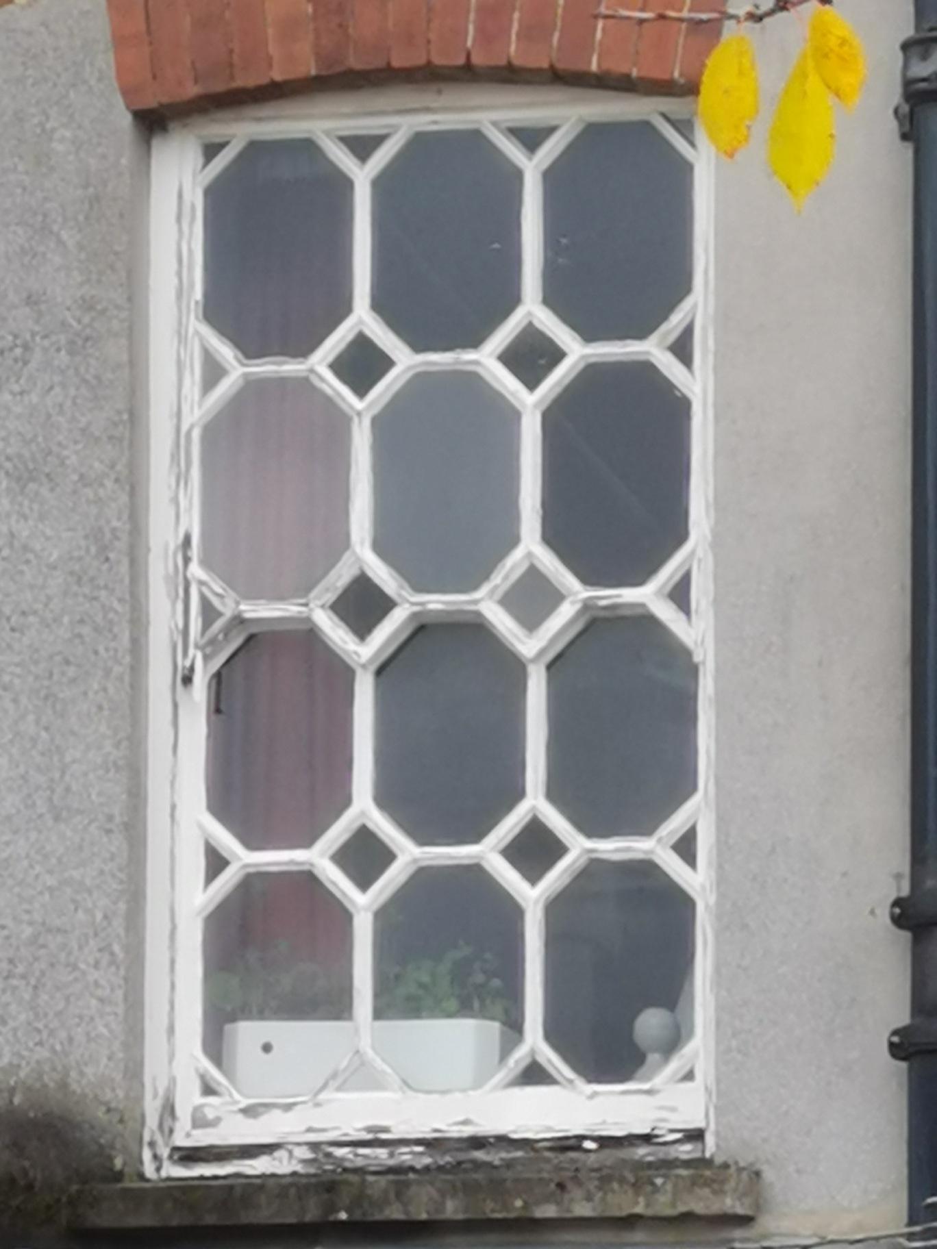 Sash Diamond Window