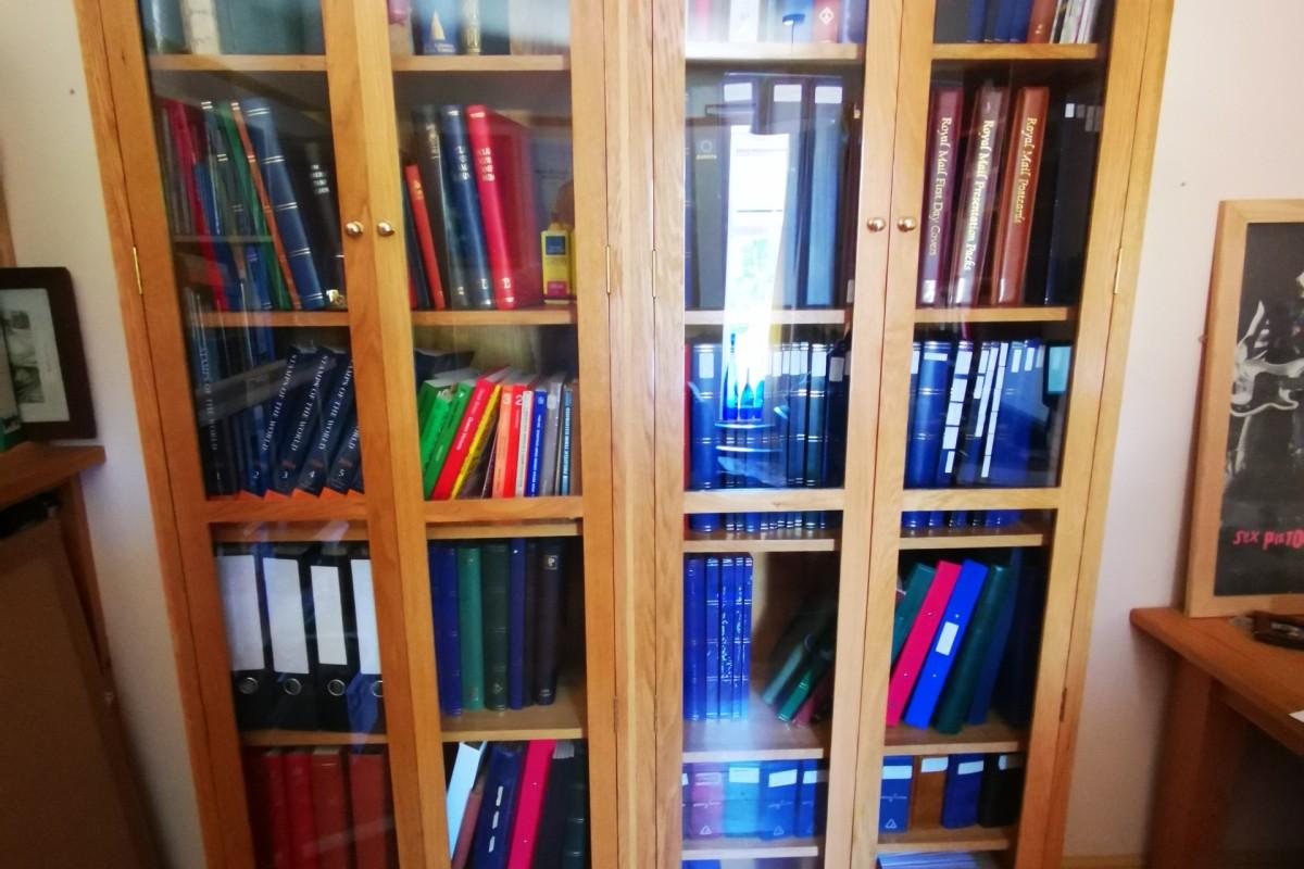 Carpenter made bookshelves in Totton